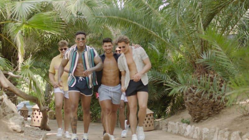 The Boys go to a spa.