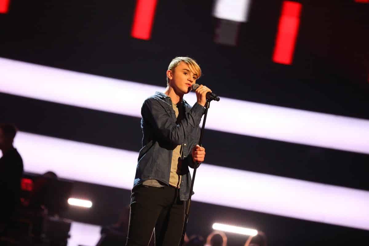 Harry performs.