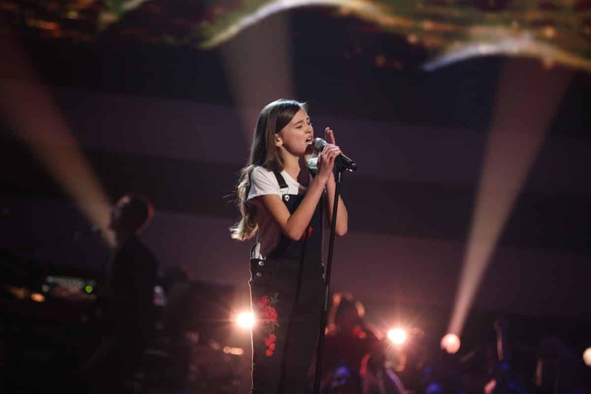 Joslyn performs